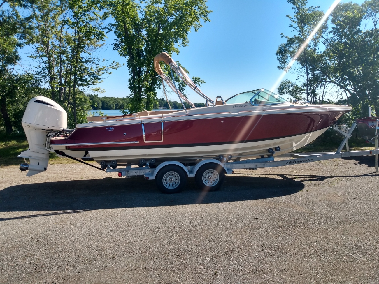 2020 Chris-Craft 25 GT Launch - Outboard - Port Red/Metallic Black